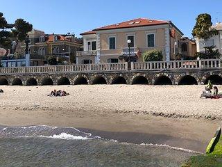 CITRA 008027-LT-0151 Diano Marina bilocale in villa, fronte mare