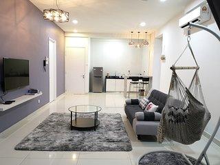Arte S Penang. near SPICE, USM, Georgetown, airport. 3 bedrooms (6-8pax)三房式豪华公寓