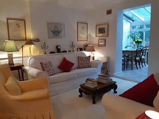 Lovely one bedroom garden flat in Notting Hill close to public transport links