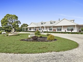Eaglemont | 6 bedrooms | 4 baths | Laundry | AC | Games Room | 8 acres