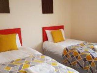 Eddiwick House -Huku Kwetu Dunstable, holiday rental in Harlington