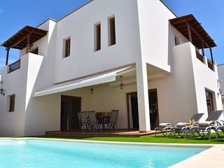Stylish villa with private pool and garden