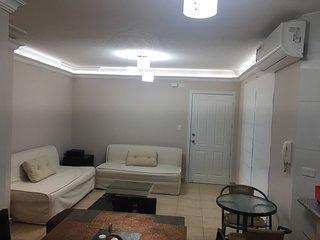 Departamento de tres dormitorios totalmente amoblado en TONSUPA