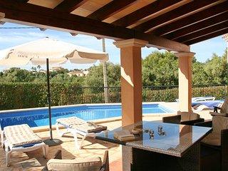 Villa Esquina mit Pool und Wifi