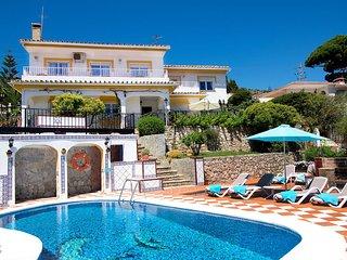 Luxury Traditional Spanish Villa, Private Pool/Garden/WIFI/Sea View