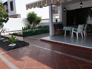 Casa Luna - comfortable apartment in central & quiet area Playa Honda
