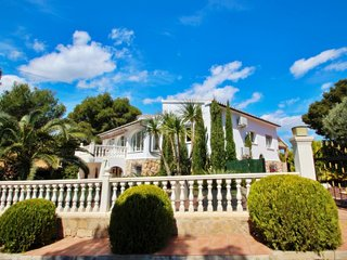 Susi - holiday home with private swimming pool in Moraira