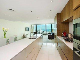 Luxury Opposite The Beach