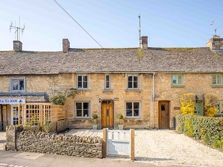 North House is a lovely Cotswold stone cottage in pretty Bourton-on-the-Water