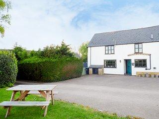 APRIL COTTAGE, breakfast bar, countryside, pet friendly, in Ross-on-Wye, Ref