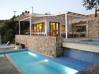 An amazing villa in Crete for up to 6 people perfect for families