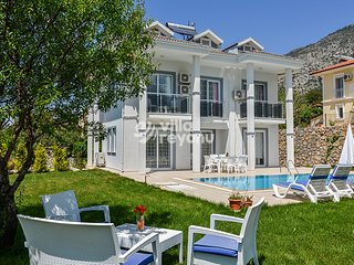5 Bedroom Luxury Holiday villa in Oludeniz - OvacIk