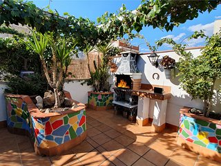 Penthouse with terrace & BBQ. 5km from Airport BCN