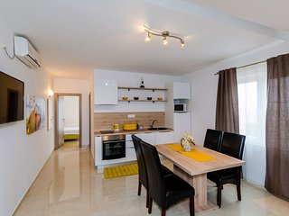 Apartments Sandito-One-Bedroom Apartment with Balcony and Sea View