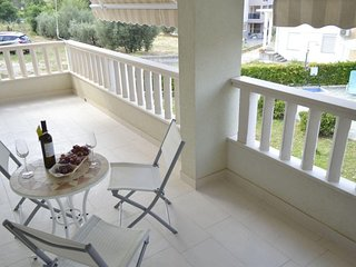 Promajna Apartment Sleeps 4 with Air Con and WiFi - 5791761