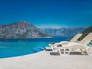 Lavender Bay Luxusaptm. D3 oder D5, Kotor-Bucht, Infinity-Pool, Strand 200m