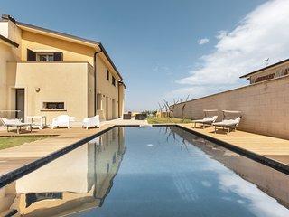 Villa indipendente con Piscina Privata, 9 persone