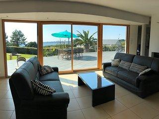 Villa exceptionnelle face à la mer, piscine et spa, très haut standing