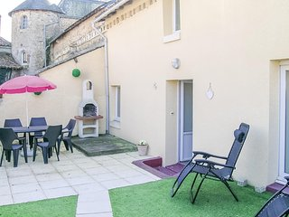Awesome home in Mouilleron St. Germain w/ 3 Bedrooms (FVE197)