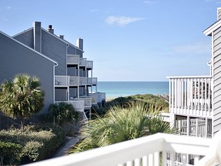 WATER'S EDGE Barrier Dunes 177 -Gulf View End Unit Just 60 steps to beach - Pets