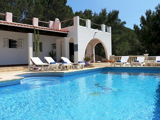 3 bedroom Villa with Pool, Air Con and WiFi - 5791039