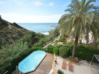First line Villa Nick Calpe,12p,seaview,pool,wifi,pooltable
