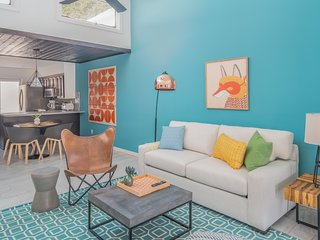 Sleek 2BR Townhome   Central Phx by WanderJaunt