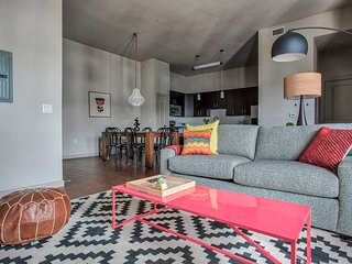 Trendy 2BR by Downtown Austin #352 by WanderJaunt