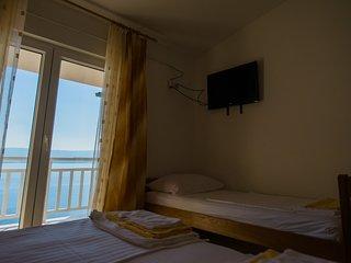 Villa Katarina - Triple Room (Lokva Rogoznica) 2