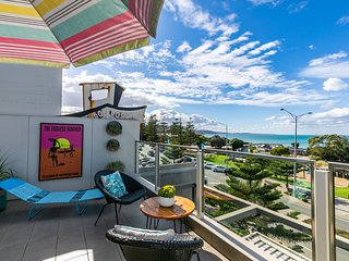 WATERFRONT SEVEN - In the heart of Lorne
