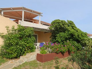 2 bedroom Apartment with Air Con and Walk to Beach & Shops - 5487073