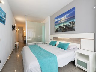 New Apt. at first line of Las Canteras Beach