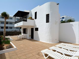 Big Solarium Villa in Puerto del Carmen Beach