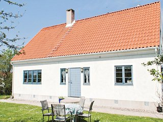 Amazing home in Burgsvik w/ WiFi and 5 Bedrooms