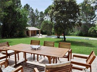 Comfortable villa Stella, pool & garden, Cotignac