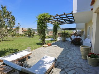 Villa Sogni - 100m To The Sea, Large Gardens, BBQ