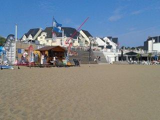 Saint Marc sur mer: FACE MER, à 20m de la plage.