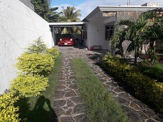 Pretty Villa Rocksand  5 min  from  the Ocean  in Grand Gaube