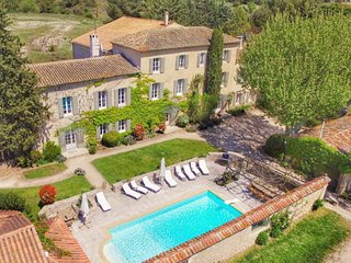 Stunning property, with heated pool - nr Aix en Provence - Short & Long Term
