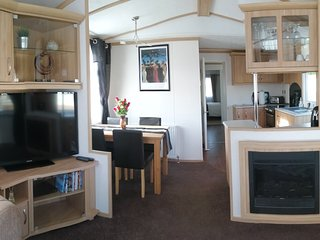 New Forest,  2 bed, luxury modern static home in Hoburne Bashley