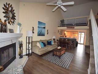 *BEAUTIFUL*Great Main Channel View*4 Bd/2BA *Sleeps 12*WIFI* HEART OF OSAGE BCH