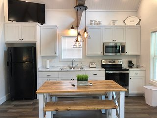 Brand New Tiny Cottage~Galloway's Getaway Unit #3 (Greers Ferry Lake)
