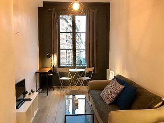 Charming flat one-block away from Notre-Dame