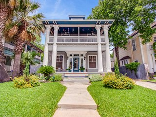 Apt# 4 - Historic Apartment close to the Riverwalk and Pearl Brewery
