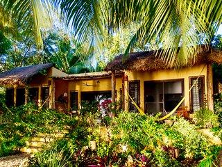 Casa Estrellla a Luxurious Romantic Getaway - Laguna Bacalar MEXICO