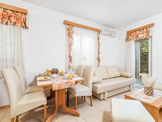 1 bedroom Apartment with Air Con and WiFi - 5053198