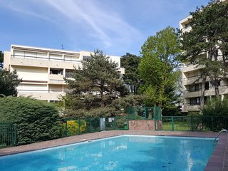 1 bedroom Apartment with Pool, WiFi and Walk to Beach & Shops - 5570388