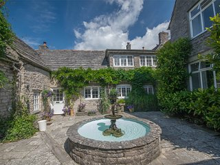 DC200 House situated in Corfe Castle