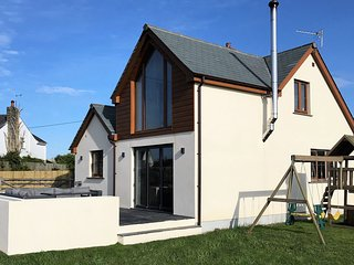 36679 House situated in Bude (5mls N)