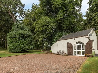 THE OLD POWERHOUSE, cosy conversion, landscaped grounds, lovely countryside in